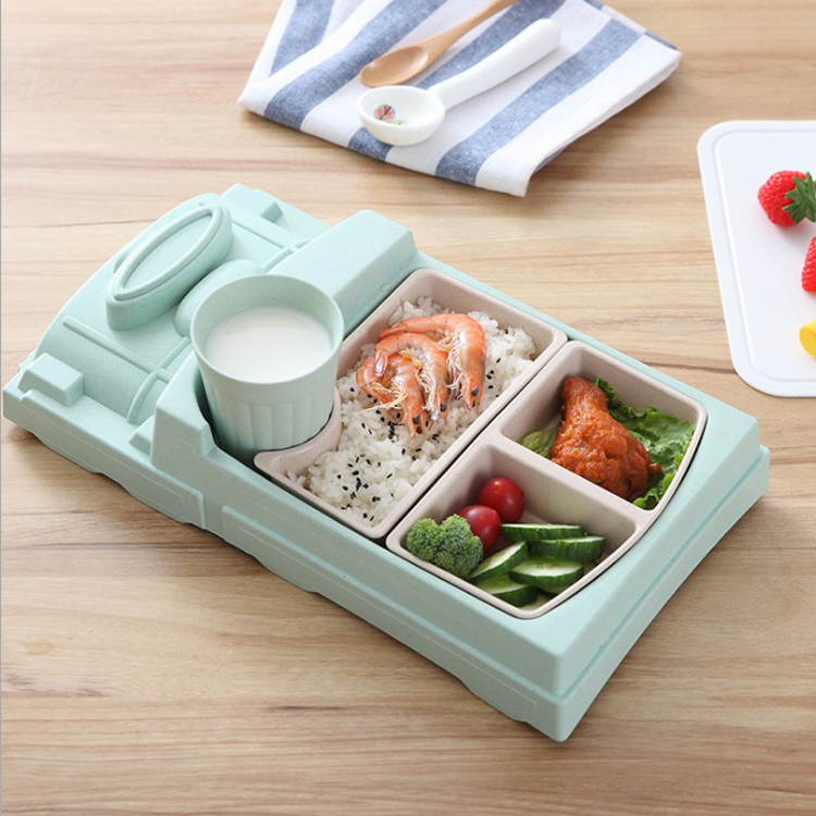 Cute design train shaped Eco-friendly bamboo fiber baby divided lunch plates