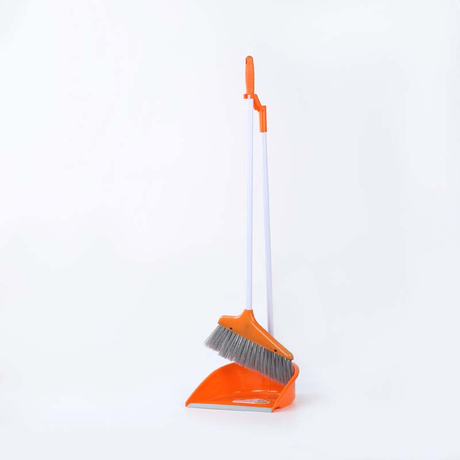 broom and dustpan - 9031